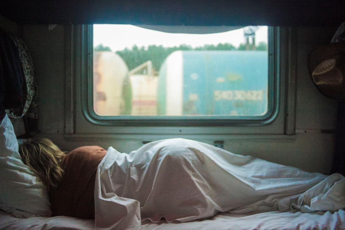 ¿Cómo influyen los cambios de alimentación en la mejora del sueño?